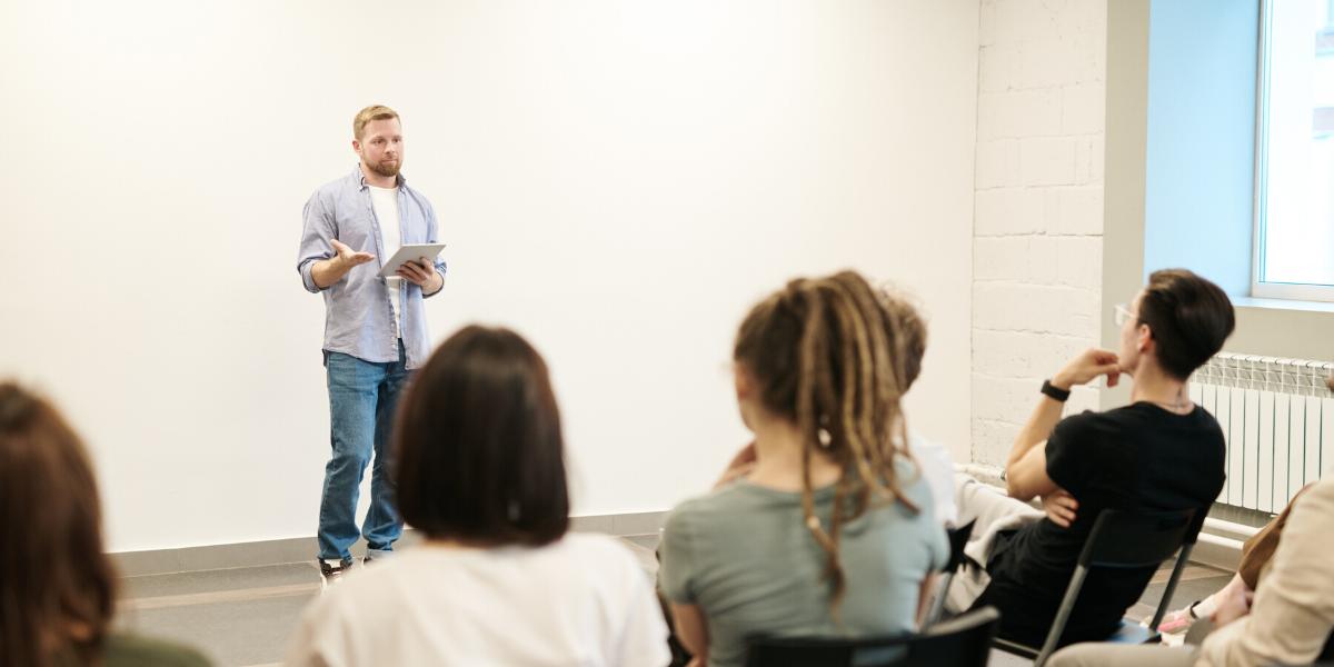 La formation en présentiel fait-elle encore partie des méthodes prisées des entreprises ?
